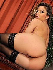 Hot teengirl Peaches is stripping and fingering